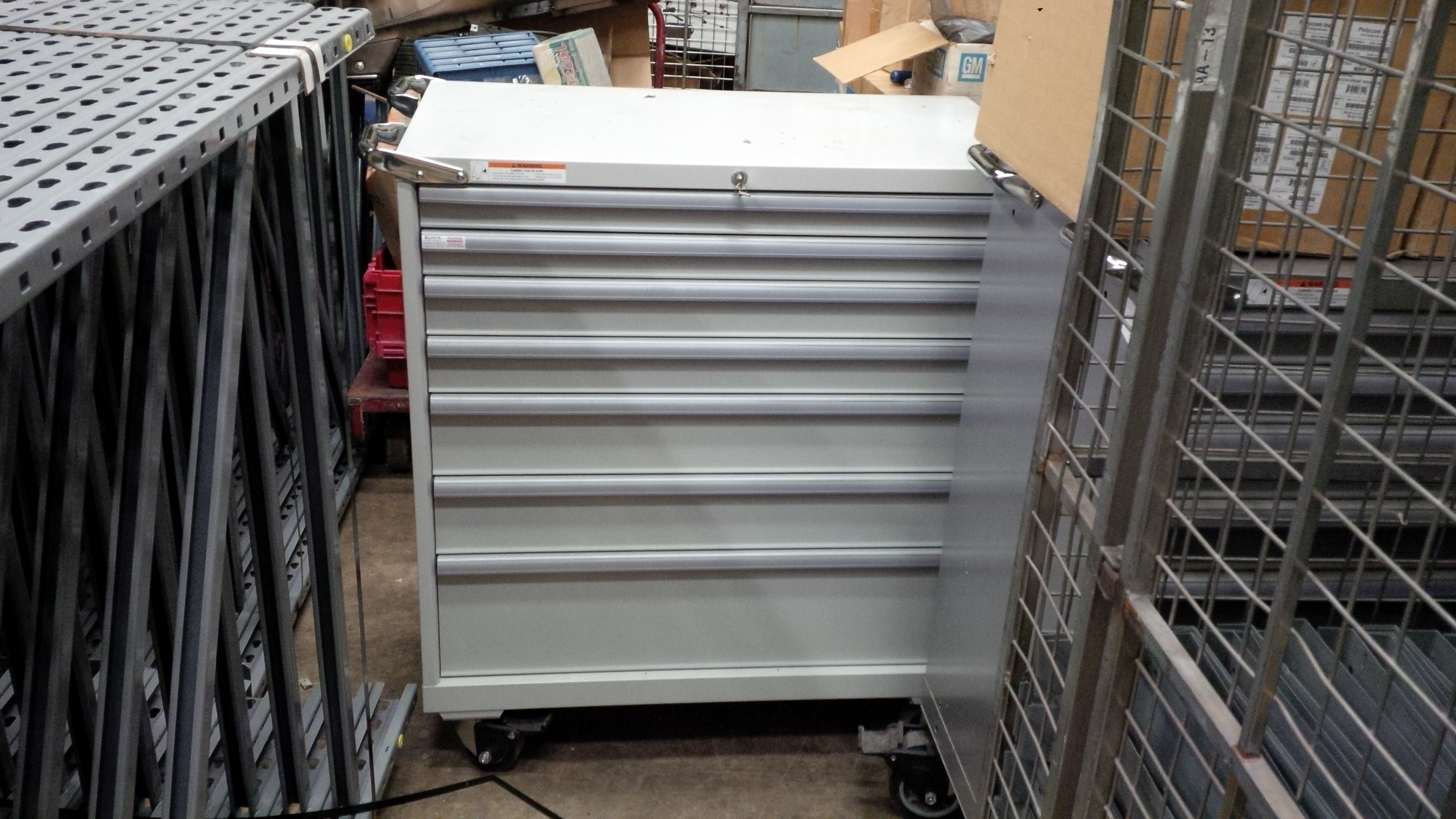 Lista 5 Drawer Tool Box $ 1500.00